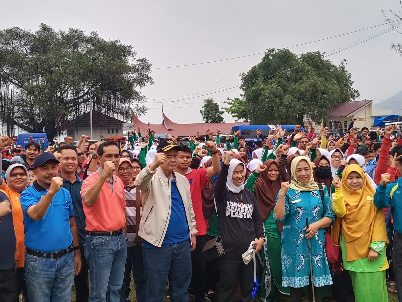 Danau Singkarak, dengan Gerakkan Bersih-Bersih Berbasis Nagari
