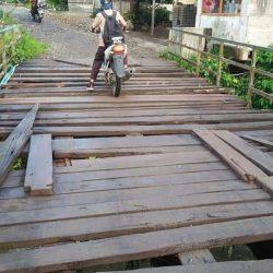 Jembatan Simpang Timbo Abu Ancam Keselamatan warga