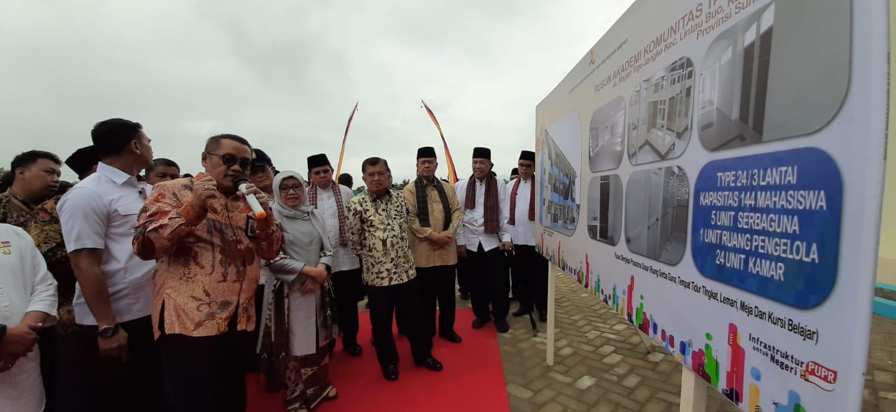 Mantan Wapres Jusuf Kalla Resmikan Rusunawa Akademi Sentra Tenun di Tanah Datar