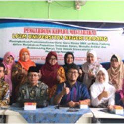 UNP - MGMP Kimia Se-Kota Padang Gencarkan Bimbingan Karya Tulis Siswa