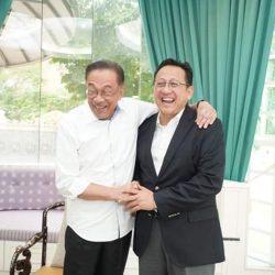 Lama tak Bertemu, Irman Gusman dan Anwar Ibrahim Saling Lempar Pujian