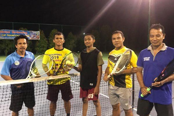 Wabah Covid-19, Anggota Padang Tenis Club Tetap Jaga Kebugaran