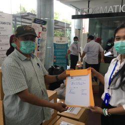LaNyalla Academia Serahkan APD dan Masker ke RS Unair Surabaya