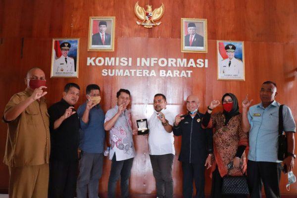 Pelajari Pengelolaan Informasi Nagari dan Desa, DPRD Sijunjung Kunjungi KI Sumbar