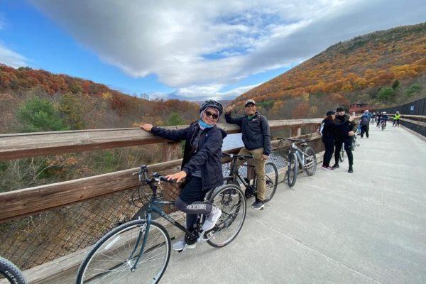 Tarmizi Boyong Keluarga Minang Amerika Bersepeda di Jalur Lehigh Gorge Trail