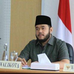 Walikota Fadly Amran Terima Penghargaan Menkes Terkait Sanitasi Berbasis Masyarakat