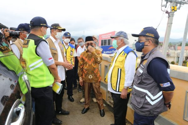 Menteri Basuki Tinjau Penanganan Darurat Bencana Gempa Bumi di Sulbar