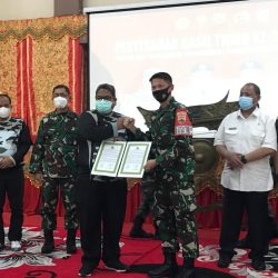 Danrem 032/Wirabraja Serahkan Hasil TMMD 110 ke Bupati Padang Pariaman