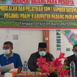 Bupati Suhatri Bur Buka Pembekalan Peningkatan SDM PDAM Padang Pariaman