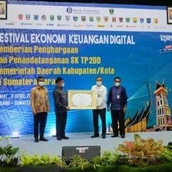 Padang Panjang Raih Penghargaan Tercepat Pelaksanaan Digitalisasi Daerah