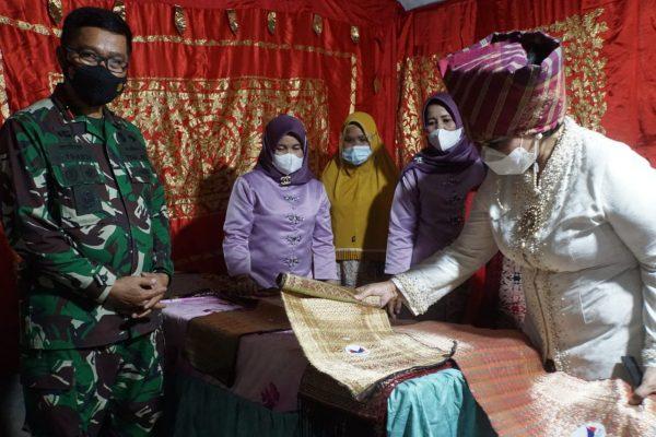 Aktif Bina Usaha Masyarakat Pesisir, Istri Danlantamal II Dapat Pujian dari Istri Panglima TNI