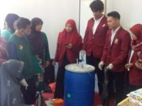 Mahasiswa UMSB Supervisi Masyarakat Kayu Tanduak Buat Biogas dari Eceng Gondok