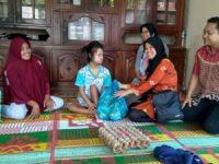 Puluhan Anak Disabilitas di Sijunjung Dapat Makanan Tambahan Bergizi