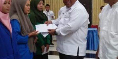 427 Mahasiswa Terima Beasiswa dari Baznas Padang Pariaman