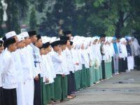 Ribuan Warga Dharmasraya Peringati Hari Santri di Halaman Kantor Bupati